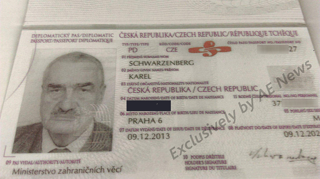 Schwarzenberg-diplomatic-passport-PD